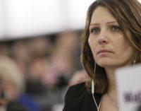 Aiuto-M5s: noi vogliamo salvare l'aeroporto d'Abruzzo