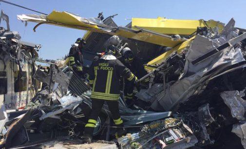 Scontro frontale tra treni in Puglia, 23 morti e 50 feriti