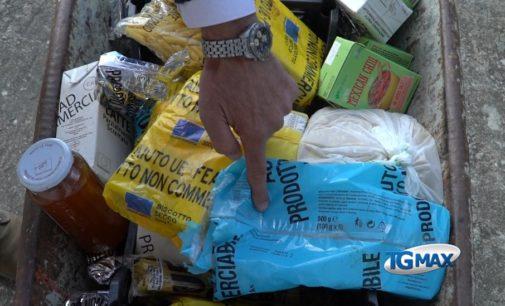 """Lanciano: alimenti Ue tra rifiuti abbandonati, """"è un peccato contro Cristo"""""""