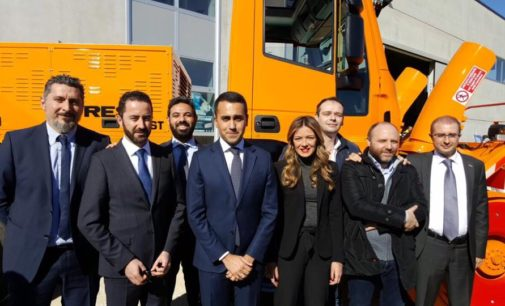 """<div class=""""dashicons dashicons-camera""""></div>M5S dona turbina spalaneve a Protezione civile in Abruzzo, Di Maio: noi siamo diversi dagli altri"""