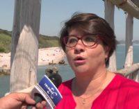 Naturisti sconfinano in spiaggia con bambini, il sindaco avvia controlli