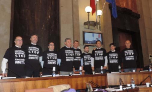 Protesta a Pescara: sindaco si dimetta, disfunzioni funzionali stop