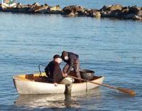 Timbrava poi andava a pesca, arrestato vigile