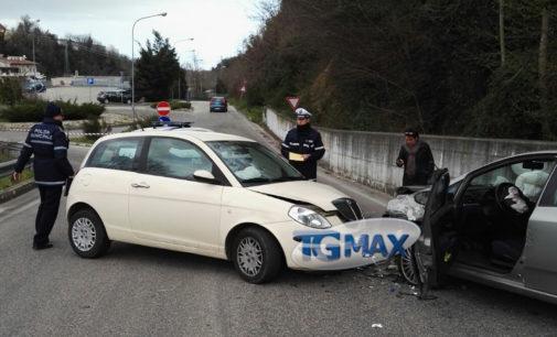 """<div class=""""dashicons dashicons-camera""""></div>Scontro tra due auto a Lanciano, grave un uomo di 69 anni"""