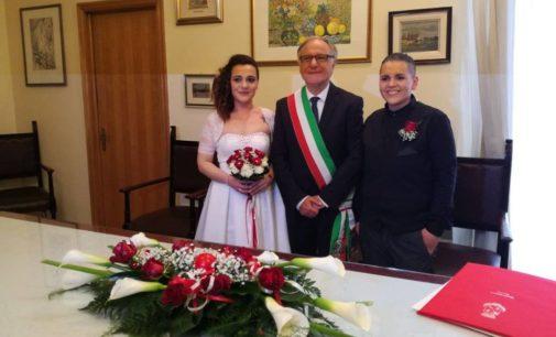 """<div class=""""dashicons dashicons-camera""""></div>Unione civile tra Franca e Analia, la prima celebrata a Lanciano"""