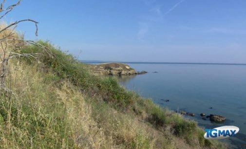 "<div class=""dashicons dashicons-video-alt3""></div>Punta Aderci tra le spiagge più belle d'Italia"