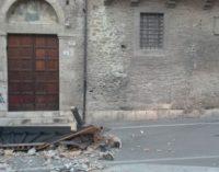 """<div class=""""dashicons dashicons-camera""""></div>Teramo, crolla tettoia con dipinto del XV secolo all'antica Chiesa della Misericordia"""