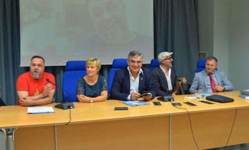 "<div class=""dashicons dashicons-camera""></div>Gabriele Cirilli torna a Sulmona con Tale e quale a Ovidio"