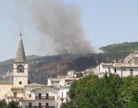 """<div class=""""dashicons dashicons-camera""""></div>Incendio a Caramanico Terme, secondo giorno di lavoro per i Vigili del Fuoco"""