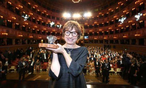 """<div class=""""dashicons dashicons-camera""""></div>La scrittrice abruzzese Donatella Di Pietrantonio ha il Premio Campiello con L'Arminuta"""