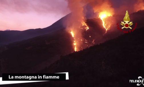 """<div class=""""dashicons dashicons-video-alt3""""></div>Montagna in fiamme, il reportage del Tgmax sui luoghi dell'incendio del Morrone"""