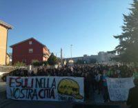 L'Aquila: studenti in corteo per il liceo Cotugno sparso in cinque diverse sedi