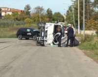"""<div class=""""dashicons dashicons-video-alt3""""></div>Lanciano: incidente stradale all'incrocio del centro raccolta Ecolan, feriti due operatori della Spa pubblica dei rifiuti"""