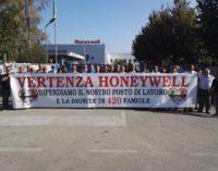 Honeywell riprende gradualmente l'attività tra ferie e par
