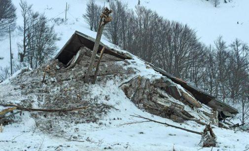 Rigopiano: caos nei soccorsi, altri segnalati in Procura
