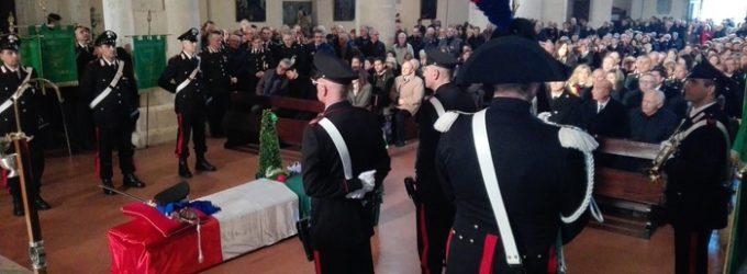 Celebrati i funerali di Guido Conti a Sulmona, inchiesta su istigazione al suicidio