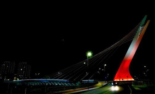 Giornata mondiale per la prevenzione e lotta all'HIV tinge di rosso il Ponte Flaiano, Comune e Caritas insieme per la campagna