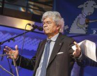 Forza Italia non ricandida Razzi: esultano gli azzurri d'Abruzzo e lui si sfoga sulla stampa