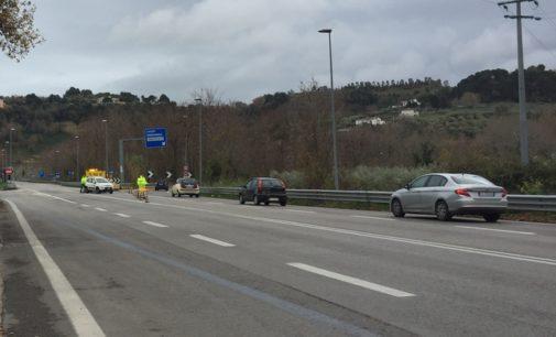 Auto contro autocarro, muore donna sulla variante ss 714 di Francavilla al mare