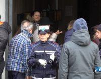 Rifiuti a fuoco in ascensore a Ortona: evacuate nella notte 27 famiglie, 5 intossicati