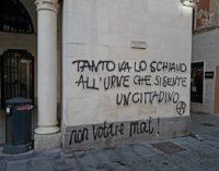 Scritte anarchiche in centro a Chieti, indaga la Digos