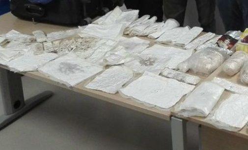 Cocaina dal Sudamerica: arrestati due italiani, obbligo dimora per colombiana