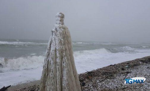 Abruzzo: gelo e neve al mare e in montagna