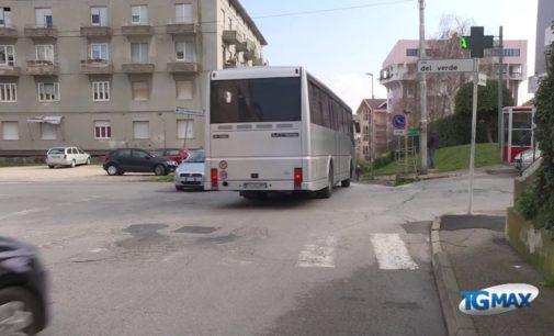 Via Ciriaci, strada pericolosa: sarà riasfaltata dopo l'approvazione del bilancio