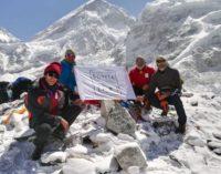 Da Lama dei Peligni all'Everest, la bandiera di Fonte Tarì sventola al campo base