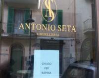 Pescara: Rolex a ruba, rapina alla gioielleria Seta