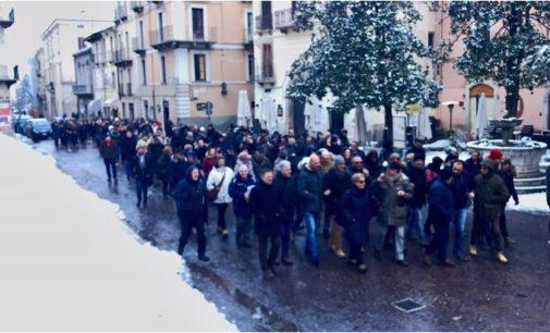Serrata a Sulmona per la crisi in centro storico
