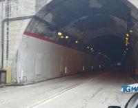 Ubriaco alla guida, provoca incidente con bus: denunciato dai carabinieri