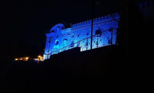 Autismo, l'Abruzzo colora i monumenti di blu