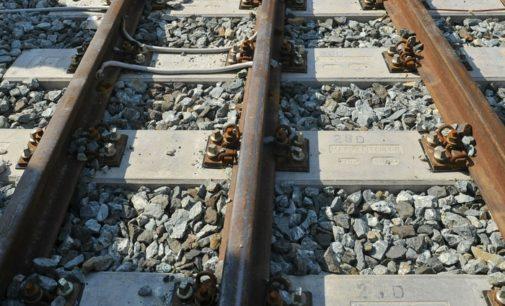 Tagliacozzo, muore investito dal treno al passaggio a livello chiuso