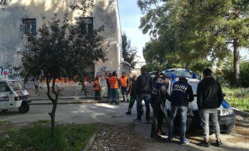 Blitz della polizia municipale a Pescara, sgombero all'ex Enaip con 10 denunce