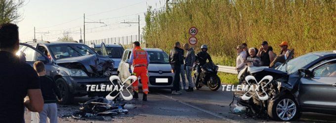 Incidente frontale sulla Statale 16, ferite tre persone in maniera non grave