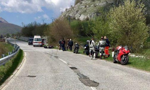 Muore motociclista molisano a Barrea, buca fatale