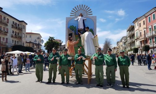 Pasqua a Orsogna: rinnovata la sfilata dei quadri biblici viventi alla festa dei talami