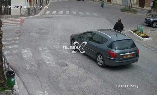 Scippi e furti, è caccia all'auto straniera tra Casoli e Castel Frentano