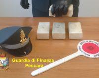 Eroina nascosta nella scatola dei cereali dentro lo zainetto, arrestato corriere albanese