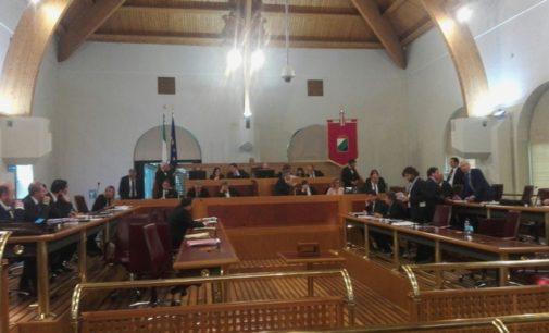 Sen. D'Alfonso resta governatore dell'Abruzzo, l'assemblea regionale ha votato la non incompatibilità