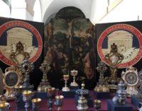 Sacerdote indagato per ricettazione di oggetti sacri e opere d'arte trafugate da chiese, recuperata la reliquia di San Giustino di Paganica