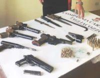 Carsoli: picchia la moglie e spara al figlio, arrestato 54enne che aveva un arsenale