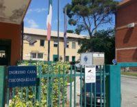 Prende a calci e pugni l'ex moglie rompendole il naso, arrestato 46enne a Montesilvano