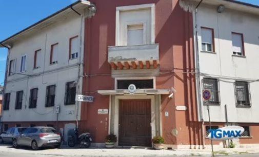 Mozzagrogna: aizza il pitbull contro i carabinieri che gli sequestravano l'alloggio in affitto per morosità, arrestato