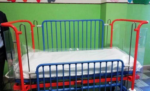 Lorenzofacciungoal dona un lettino pediatrico al reparto di Pediatria dell'ospedale di Lanciano