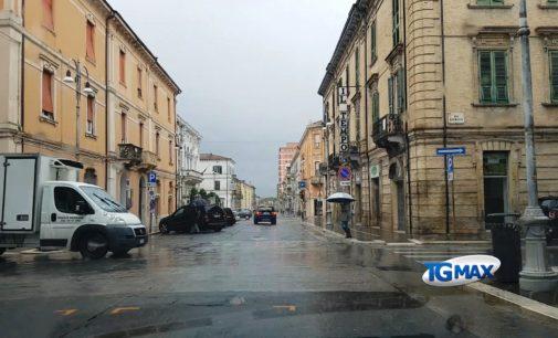 Maltempo: non riapre il cantiere del Corso, in tilt pannello luminoso Ztl al Malvò