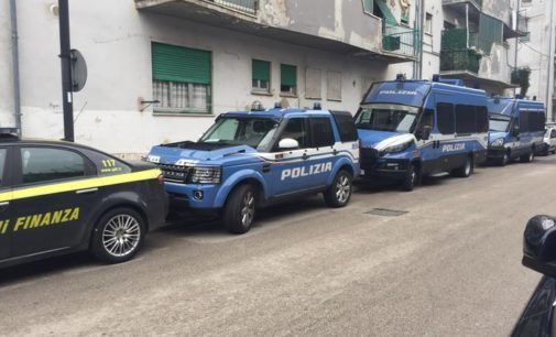 Pescara: blitz forze dell'ordine contro l'occupazione abusiva