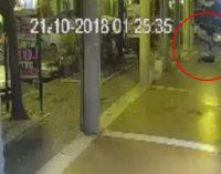 Fidanzatini pestati e rapinati a Pescara, arrestati tre diciottenni