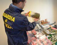 Hashish e marijuana per 36,8 kg sequestrati in un canapa store a Pescara: un arresto